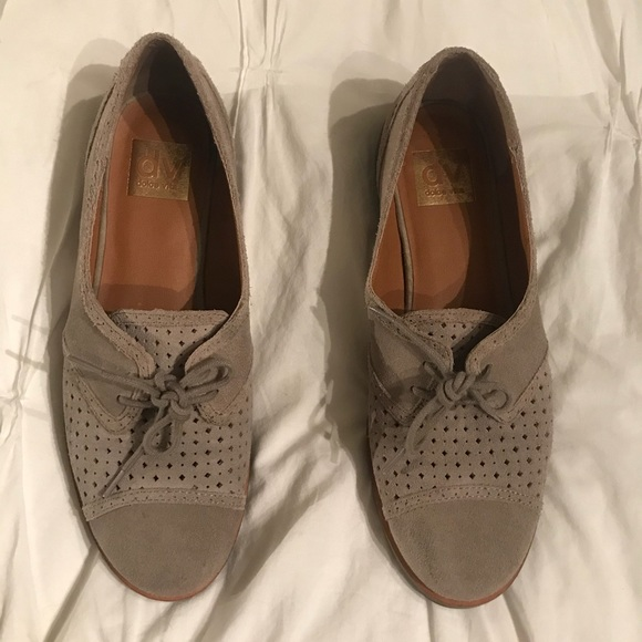 26210afd600 DV by Dolce Vita Shoes - 🆕 Dolce Vita Grey Suede Laser Cut Oxford Flats